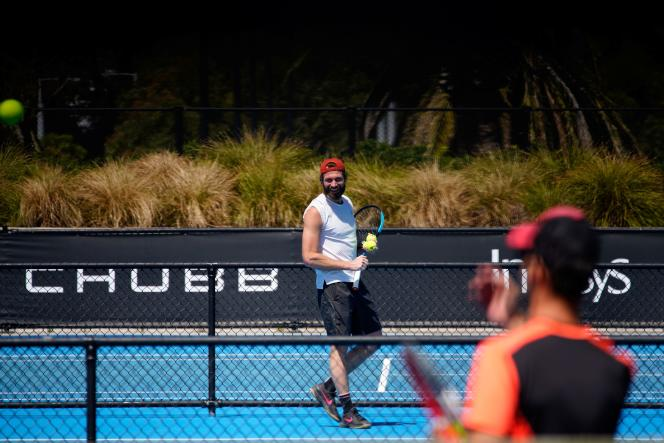 Even though they are in quarantine before the start of the Australian Open, players receive five hours of training a day.  Unless they are contact cases.
