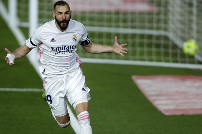 Karim Benzema, the French captain of Real Madrid, scored the first goal on Saturday April 10.