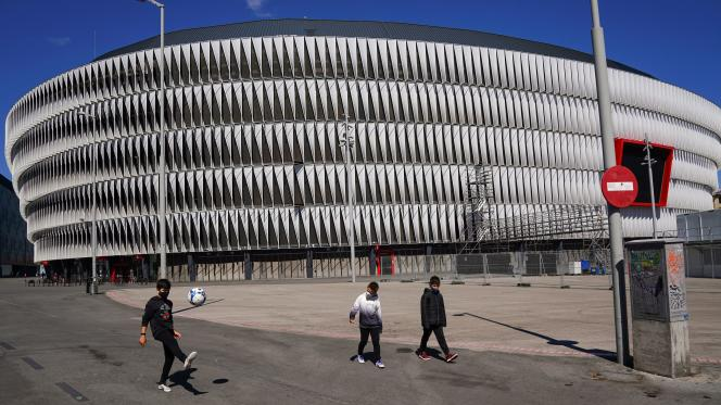 About 13,000 people could attend the matches of the Euro football in the San Mames stadium in Bilbao (25% of the capacity)