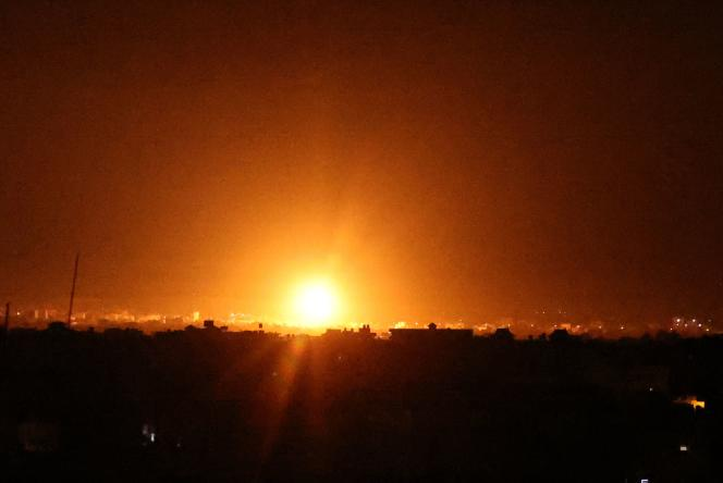 Explosions in Khan Younes, southern Gaza Strip, as Israeli forces bombard the Palestinian enclave in early June 16, 2021.